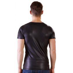 Camiseta masculina brillante con mezcla de tejidos y argollas metálicas