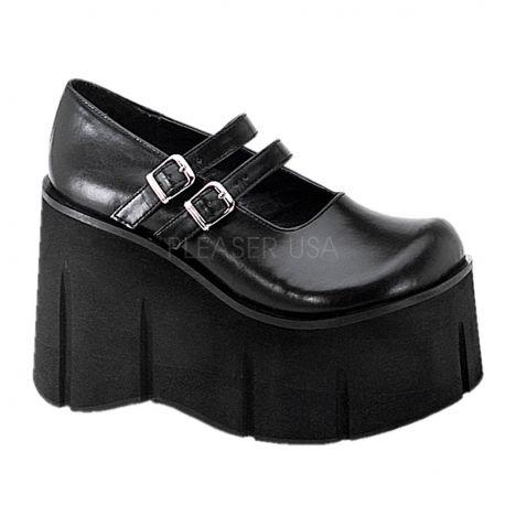 Zapato de plataforma con dos tiras y hebillas